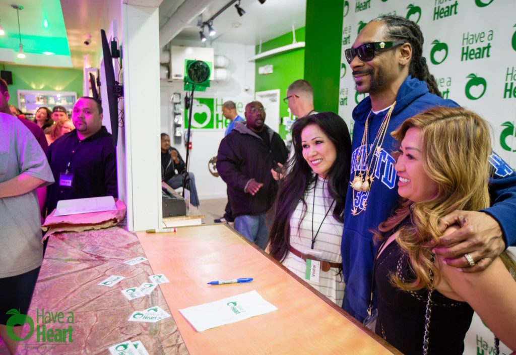 Snoop Dogg visiting Skyway's Best Pot Shop