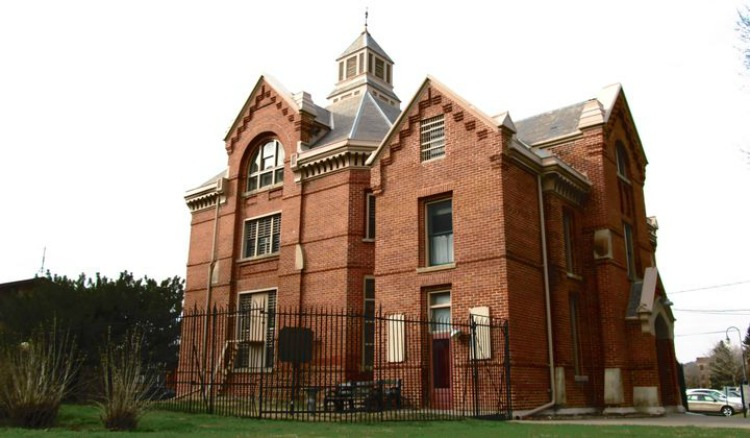 things to do in council bluffs squirrel cage jail