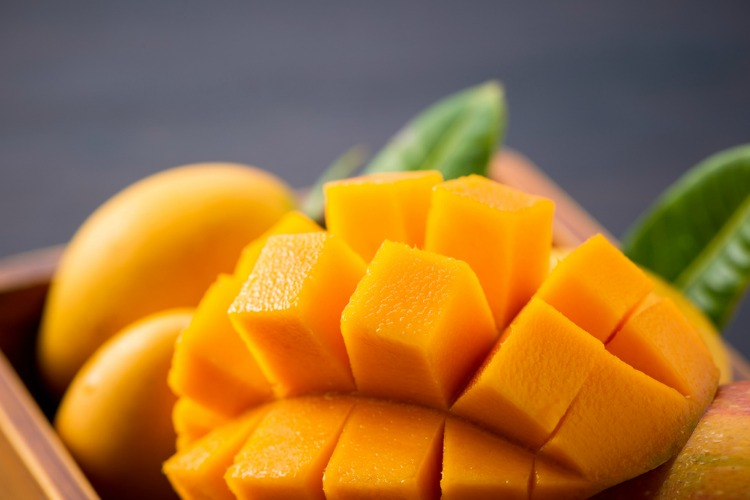 Best Things to Eat When High mangoes