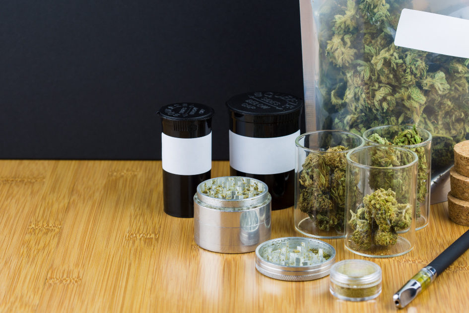 How to smoke cannabis